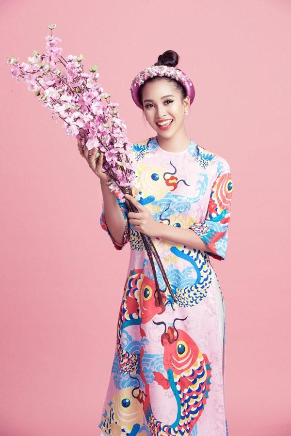 Hoa hậu Tiểu Vy gợi ý cách chọn áo dài Tết-5