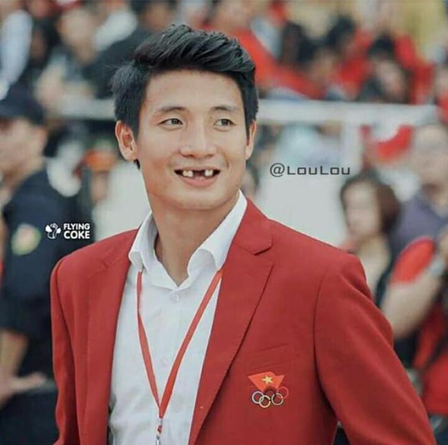 Phong độ ngời ngời khi bị chế ảnh răng móm, cầu thủ tuyển Việt Nam khiến người xem thốt lên không mê nổi-3