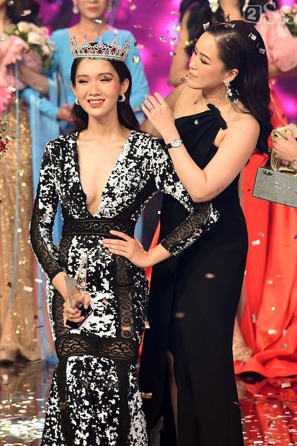 Đăng quang The Tiffany Vietnam, Đỗ Nhật Hà chính thức nối gót Hương Giang thi Hoa hậu Chuyển giới Quốc tế 2019-4