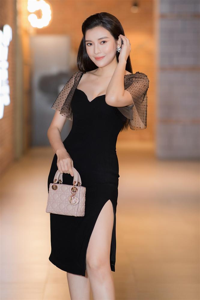 Cao Thái Hà diện váy xẻ cao quyến rũ ra mắt vai diễn trong web drama đầu tay-2