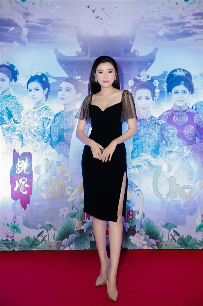 Cao Thái Hà diện váy xẻ cao quyến rũ ra mắt vai diễn trong web drama đầu tay-3