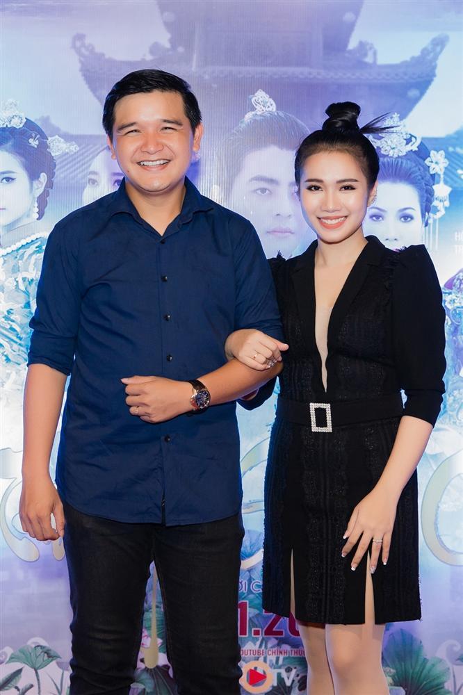 Cao Thái Hà diện váy xẻ cao quyến rũ ra mắt vai diễn trong web drama đầu tay-5