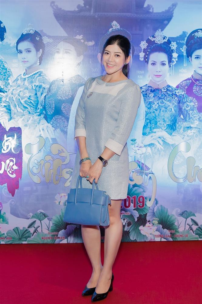 Cao Thái Hà diện váy xẻ cao quyến rũ ra mắt vai diễn trong web drama đầu tay-10