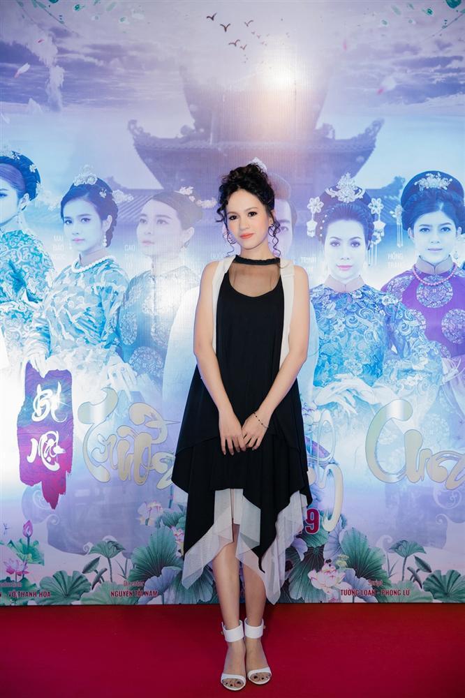 Cao Thái Hà diện váy xẻ cao quyến rũ ra mắt vai diễn trong web drama đầu tay-9