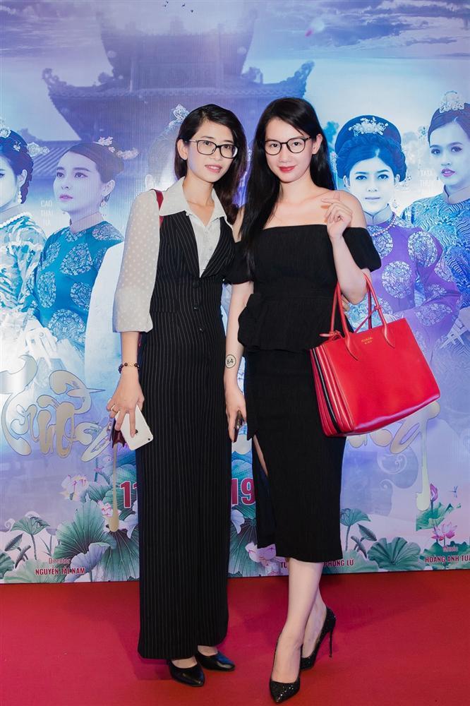 Cao Thái Hà diện váy xẻ cao quyến rũ ra mắt vai diễn trong web drama đầu tay-11