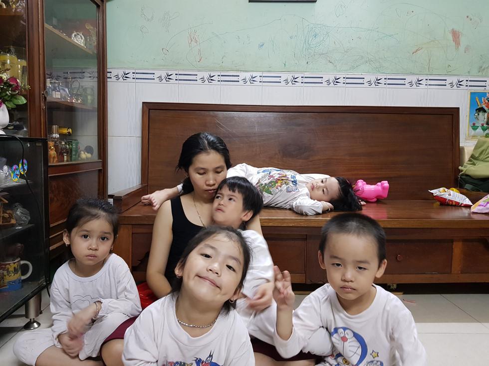 Bất ngờ trước ngoại hình sau 6 năm của 5 đứa trẻ trong ca sinh 5 duy nhất ở Việt Nam-4