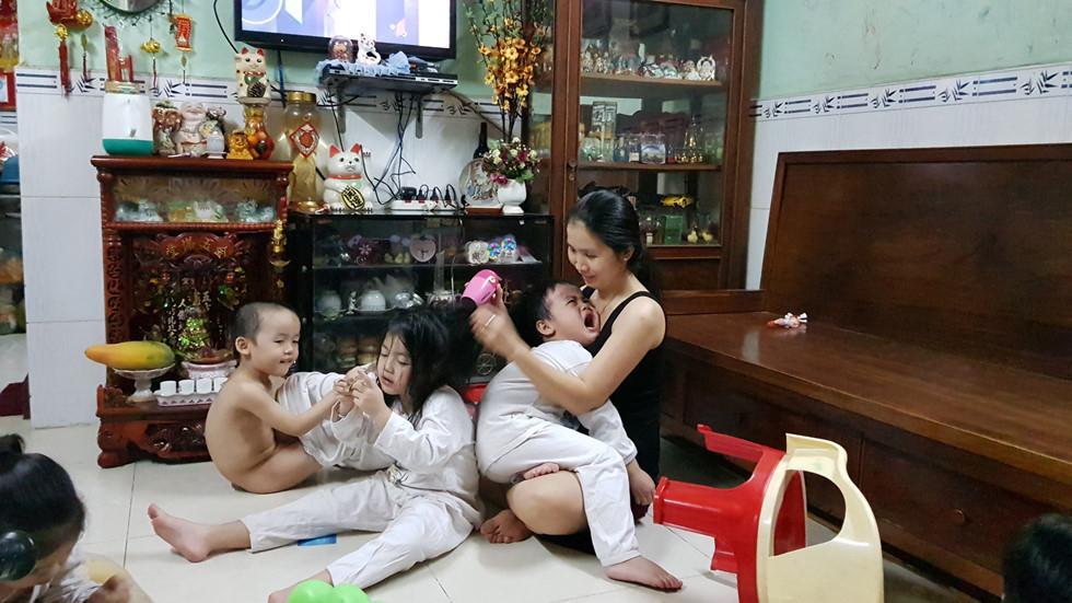 Bất ngờ trước ngoại hình sau 6 năm của 5 đứa trẻ trong ca sinh 5 duy nhất ở Việt Nam-6