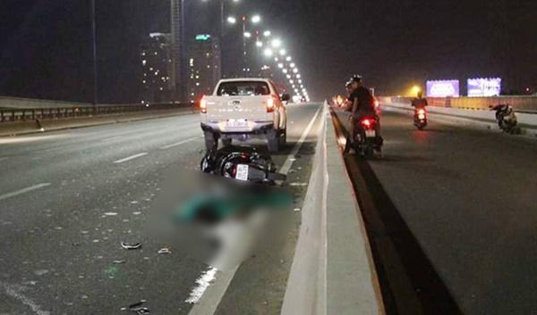 2 vụ tai nạn liên tiếp trên cầu Sài Gòn, 3 người thương vong-1