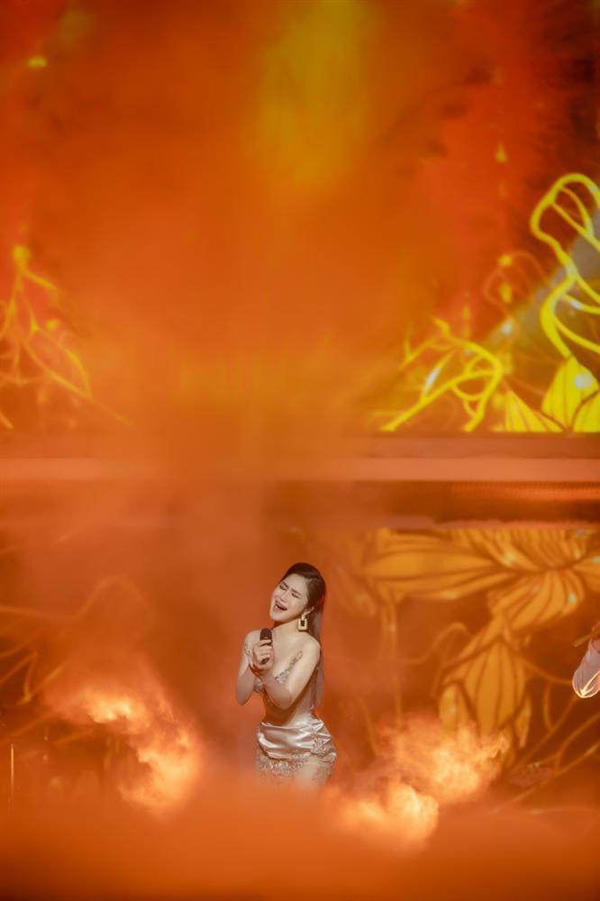 Liveshow đầu đời: Hương Tràm hát bằng hết sức bình sinh như thể ngày mai sẽ giải nghệ-5