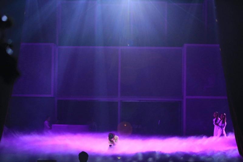 Liveshow đầu đời: Hương Tràm hát bằng hết sức bình sinh như thể ngày mai sẽ giải nghệ-16
