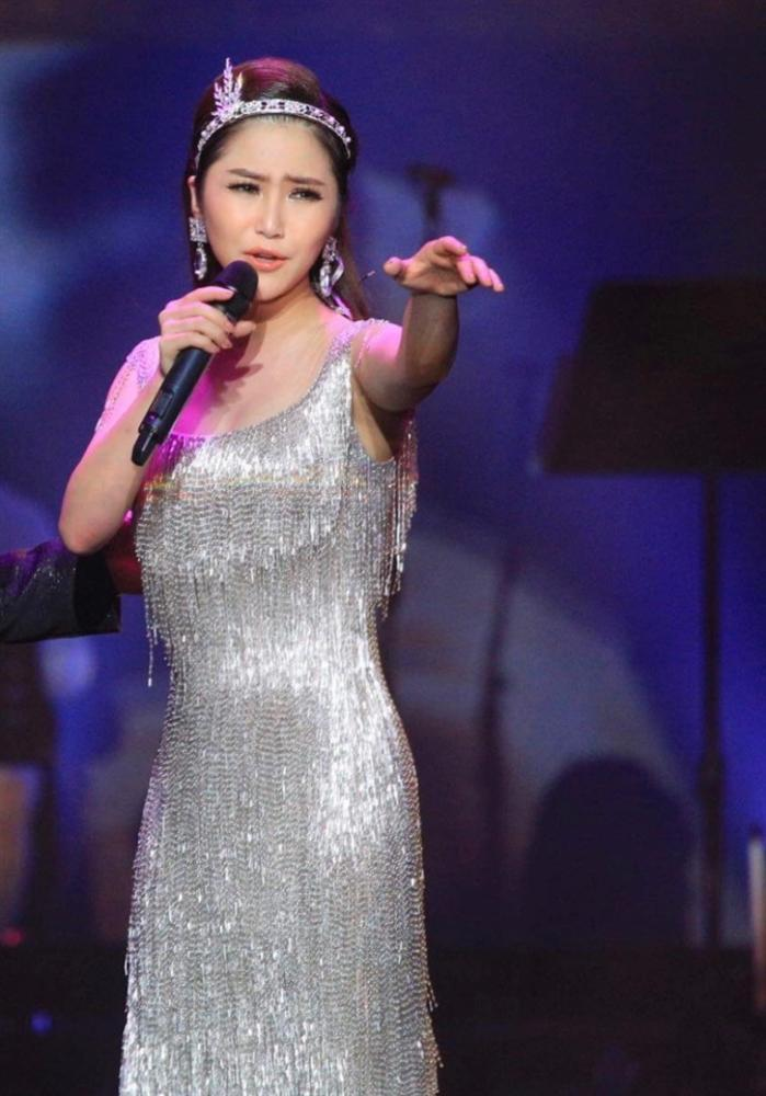 Liveshow đầu đời: Hương Tràm hát bằng hết sức bình sinh như thể ngày mai sẽ giải nghệ-11