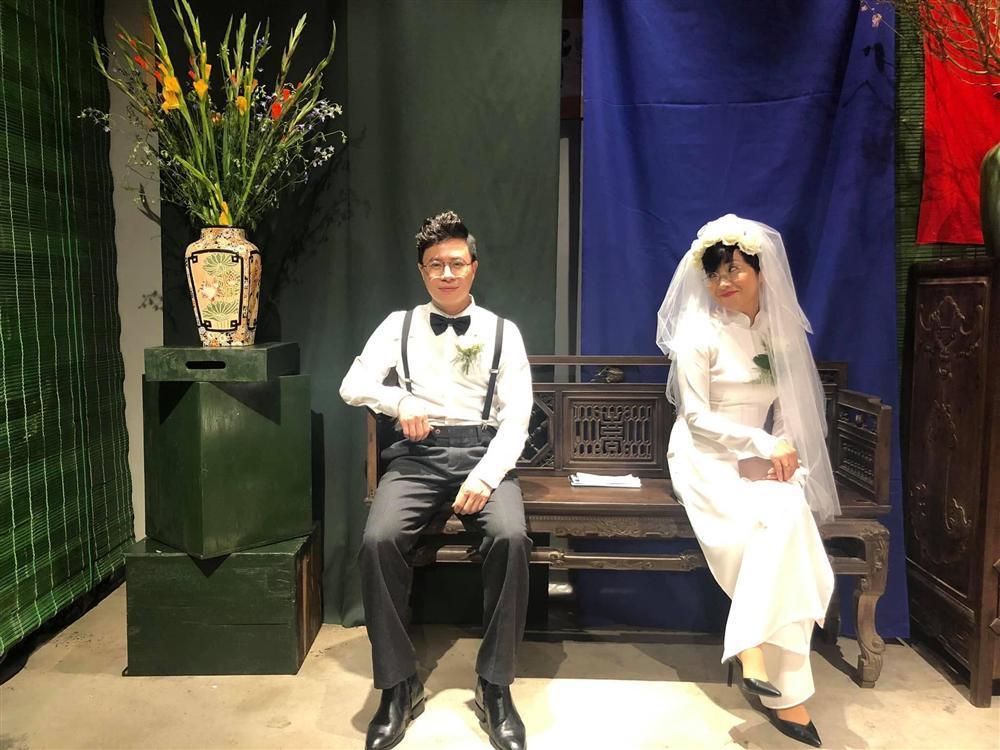 Thích thú ngắm loạt ảnh cưới phong cách thập niên 80 của cặp MC Thảo Vân - Lê Anh-9