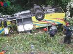 Xe khách tông xe bồn lao xuống ruộng, 5 người trọng thương-4