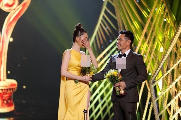 Mặc kệ khán giả tẩy chay, Gạo nếp gạo tẻ vẫn thắng lớn với 4 giải thưởng tại Mai Vàng 2019-6