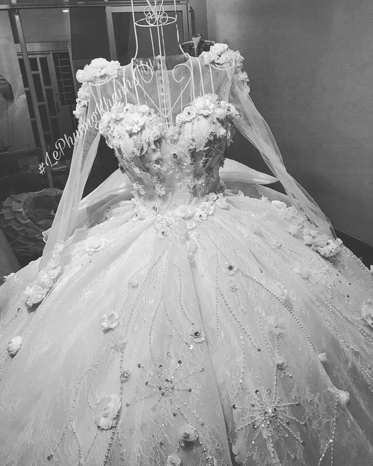 Vân Navy háo hức chia sẻ điều thú vị về váy cưới hoành tráng trước giờ lên xe hoa-3