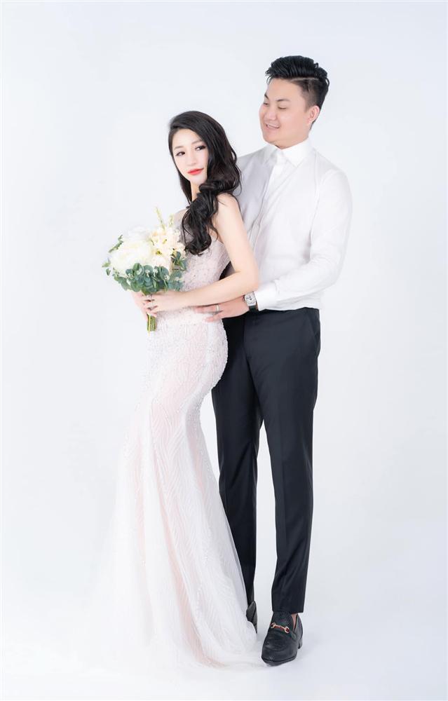 Vân Navy háo hức chia sẻ điều thú vị về váy cưới hoành tráng trước giờ lên xe hoa-7
