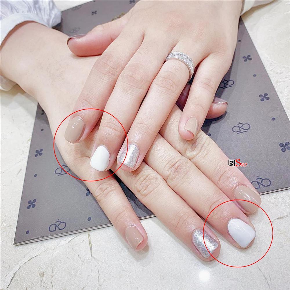 Tự phục vụ khách tại tiệm nail, Hoa hậu Kỳ Duyên bị nhắc nhở đeo bao tay tránh lây nhiễm bệnh xã hội-3