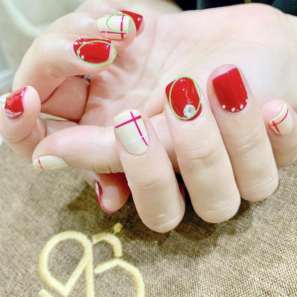 Tự phục vụ khách tại tiệm nail, Hoa hậu Kỳ Duyên bị nhắc nhở đeo bao tay tránh lây nhiễm bệnh xã hội-2
