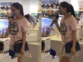 Chỉ là hát thử loa tại siêu thị thôi, Hoà Minzy cũng 'phiêu' như trên sân khấu!