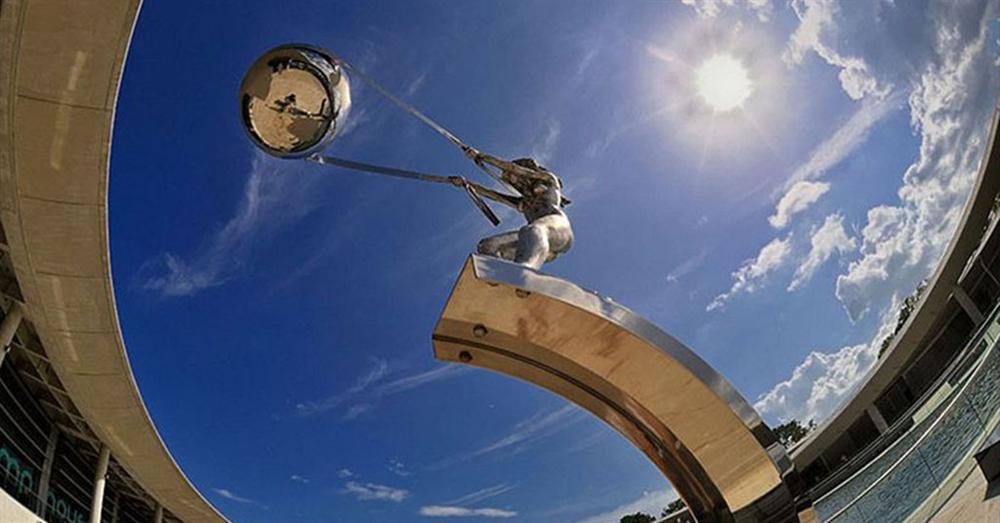 Những bức tượng ngầu nhất khiến thế giới phải kinh ngạc-5