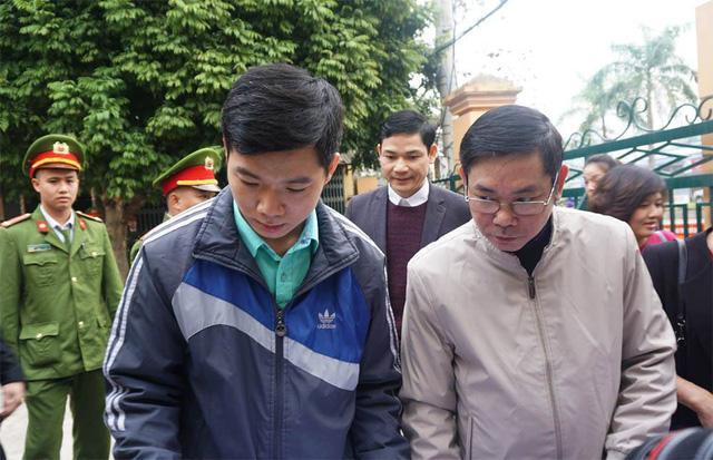Xử vụ chạy thận tử vong: Bác sĩ Hoàng Công Lương không chắc chắn về sức khỏe-3