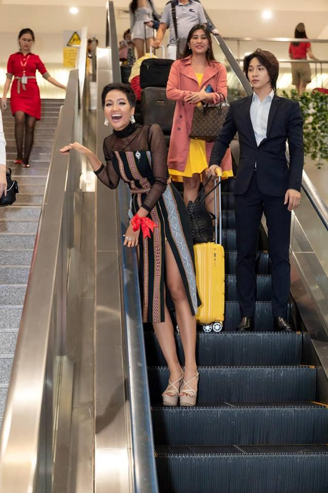 Chàng trợ lý điển trai thường bị nhầm là anh của Hoa hậu HHen Niê-1
