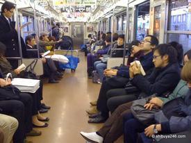 Những cú sốc của du học sinh ở Nhật: Vá xe đạp mất gần 1 triệu, hot boy cũng nhịn cắt tóc vì tốn tiền!
