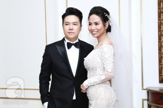 Cận cạnh vợ trẻ 9x da nâu miệng rộng của Lê Hiếu trong đám cưới hạng sang hạn chế khách mời-1