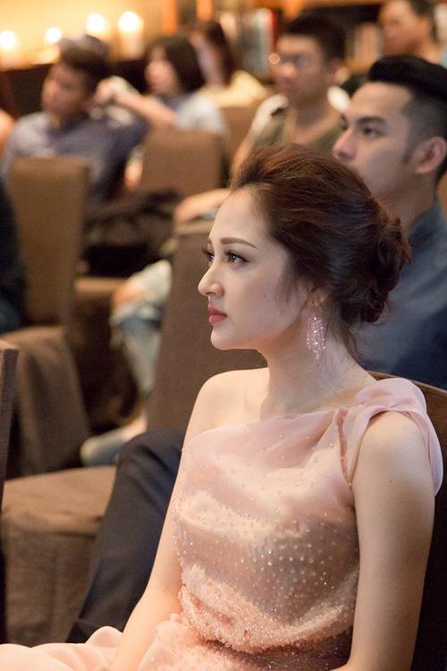 Hương Giang - Chi Pu - Bích Phương - Bảo Anh: Tứ đại mỹ nhân muốn dìm cũng không thể chìm khi chụp lén-7