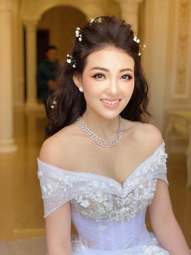 Nhan sắc đời thường xinh đẹp của cô dâu trong đám cưới ngập vàng ở Nam Định-8