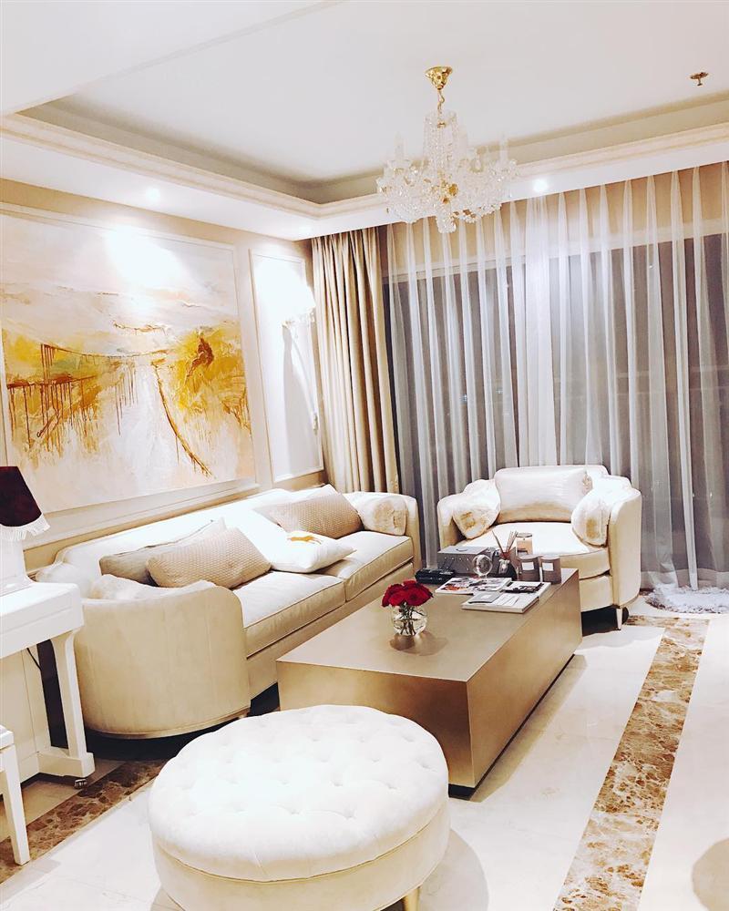 Phạm Hương vừa khoe ảnh giường chiếu, fan dáo dác mừng tủi vì tưởng bở chị Tổng hồi quê-5