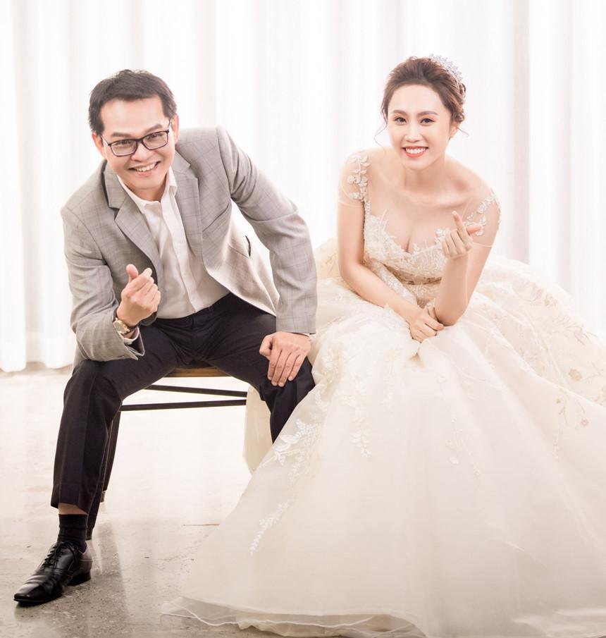 NSND Trung Hiếu hạnh phúc bên cô dâu kém 19 tuổi trong bộ ảnh cưới-8
