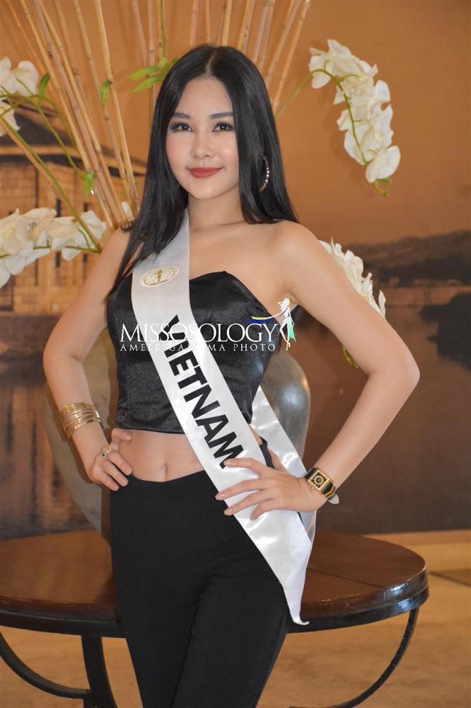 Sau nhiều ngày kém xinh, cuối cùng Lê Âu Ngân Anh cũng đã có một bức hình khá khẩm tại Miss Intercontinental 2018-1