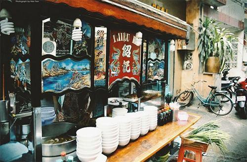 Quán hủ tiếu có thâm niên được chế biến công phu ở Sài Gòn-2