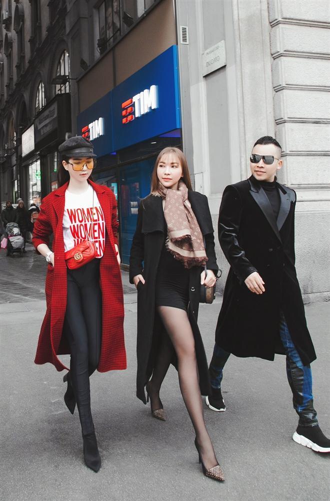 STREET STYLE: Kỳ Duyên hút hồn với tuyệt chiêu mặc áo phanh cúc - Sơn Tùng dát hàng hiệu trăm triệu dạo biển-7