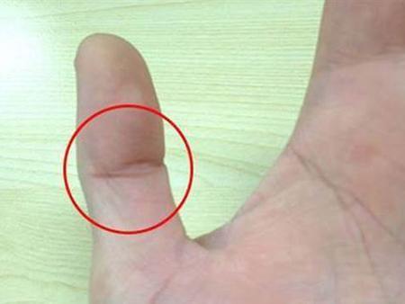 Xòe bàn tay xem có 6 dấu hiệu này thì chúc mừng bạn đã được Thần Tài để mắt, ngồi mát ăn bát vàng-3