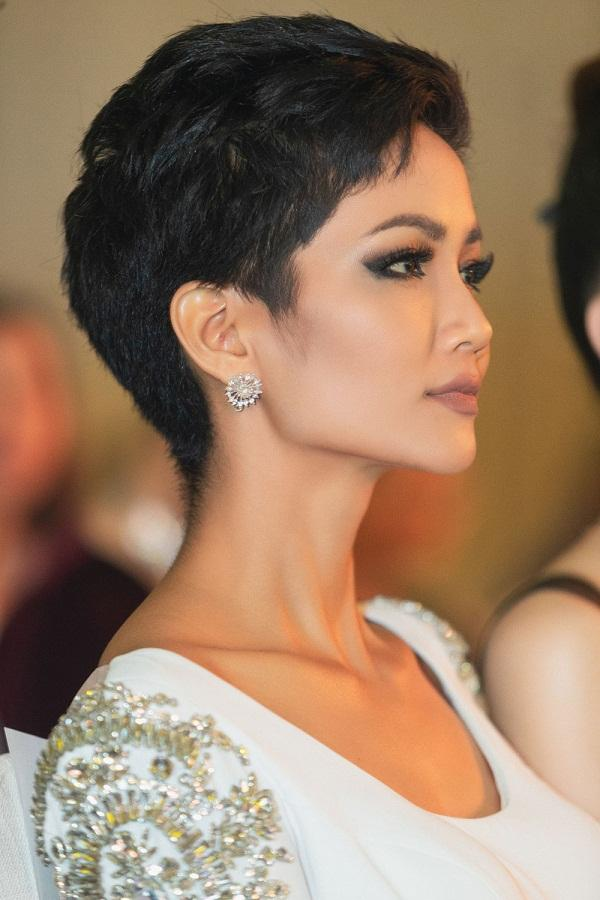 Quá xuất sắc, HHen Niê đứng đầu top 10 Hoa hậu đẹp nhất thế giới 2018-3