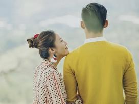 Văn Mai Hương gây tò mò khi khoe ảnh tình tứ với chàng trai giấu mặt