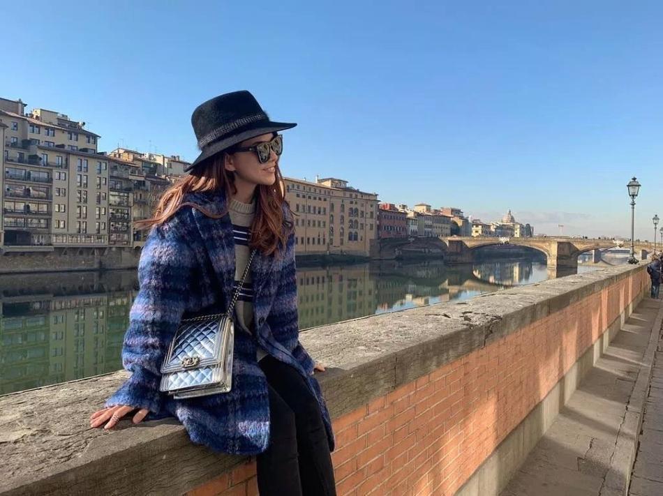 Cuộc sống như mơ của bà xã Châu Kiệt Luân: 1 tháng du lịch 2 lần, mua quà tặng chồng toàn tiền tỷ-2