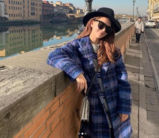 Cuộc sống như mơ của bà xã Châu Kiệt Luân: 1 tháng du lịch 2 lần, mua quà tặng chồng toàn tiền tỷ-4