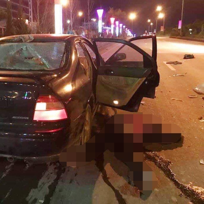 Lai Châu: Ô tô đâm xe máy, kéo lê người đàn ông trong đêm-1