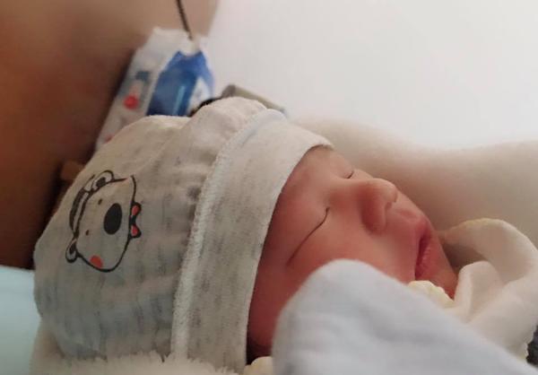Sau 2 ngày vật vã chuyển dạ, mẹ nuôi bé gái suy dinh dưỡng ở Lào Cai đã sinh bé trai cực đáng yêu-2