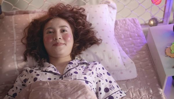 Chi Pu bị Ninh Dương Lan Ngọc mắng té tát vì hôn trai lạ ngoài đường trong tập 2 Mối tình đầu của tôi-3