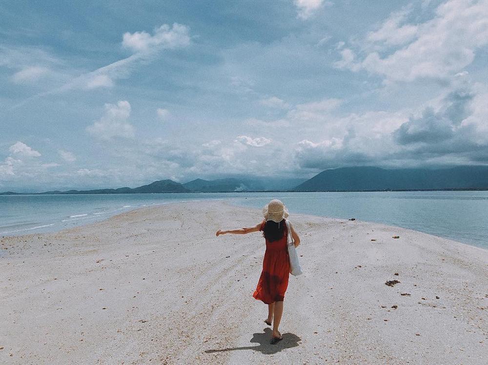 Hút mắt với 5 con đường giữa biển đẹp ngất ngây ở Việt Nam-3