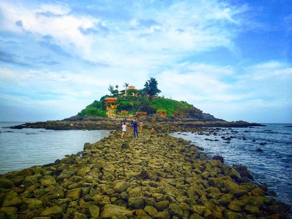 Hút mắt với 5 con đường giữa biển đẹp ngất ngây ở Việt Nam-10