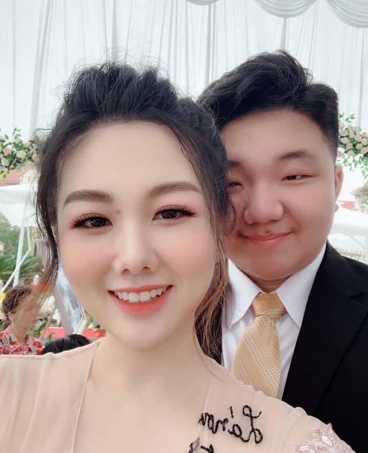Nhan sắc có hạn nhưng xuất thân danh giá, em trai cô dâu sống trong lâu đài ở Nam Định được 1.000 cô gái làm điều lạ-3