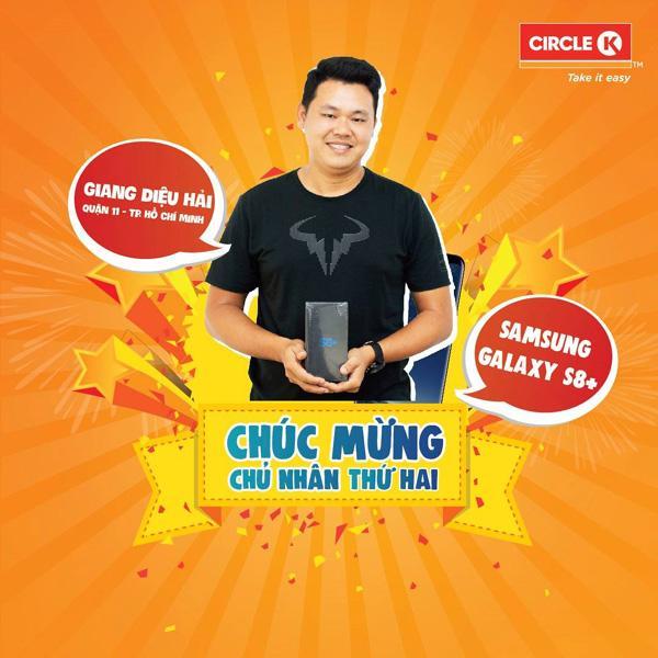 Circle K trao thưởng cho khách hàng may mắn-2