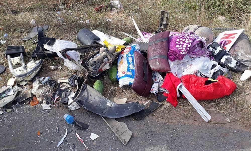 Xe khách tông xe bồn lao xuống ruộng, 5 người trọng thương-3