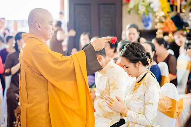 Những mỹ nhân Việt đeo vàng nặng trĩu, cưới đại gia thân thế khủng cỡ nào?-3
