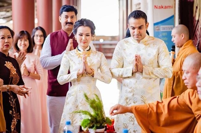 Những mỹ nhân Việt đeo vàng nặng trĩu, cưới đại gia thân thế khủng cỡ nào?-4